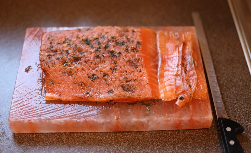 Efter tre dygn i kylskåp är din gravlax klar för servering
